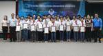 Đại diện lãnh đạo liên ngành Đoàn Thanh niên cộng sản Hồ Chí Minh tỉnh, Sở Thông tin và Truyền thông, Sở Khoa học và Công nghệ, Sở Giáo dục và Đào tạo trao giấy chứng nhận cho các thí sinh đạt giải.